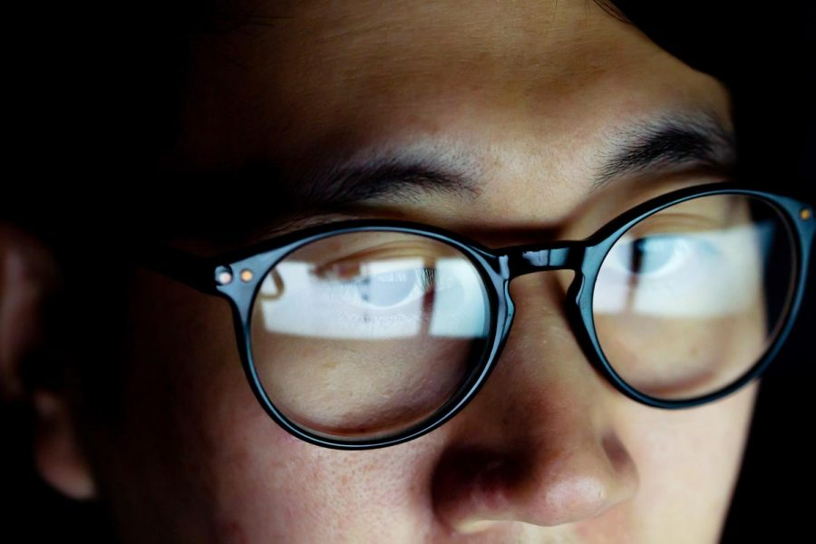 Should You Be Wearing Blue Light Glasses?